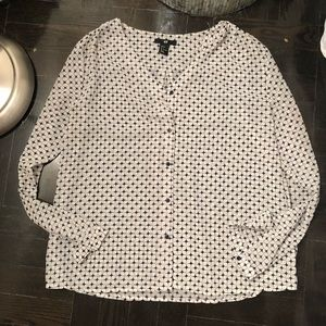 H&M size 4 button up blouse black and white
